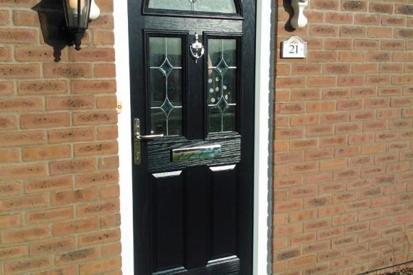 black-2-panel-2-square-1-arch-global-composite-door-4 2