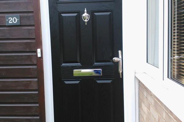 black-4-panel-1-arch-Global-Composite-Door3