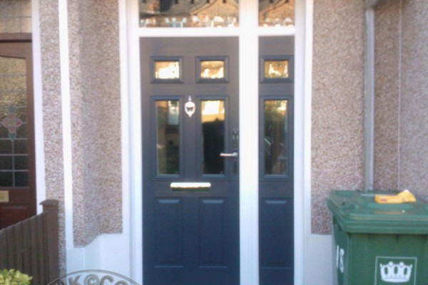 grey-2-panel-4-square-global-composite-door-with-sidepanel
