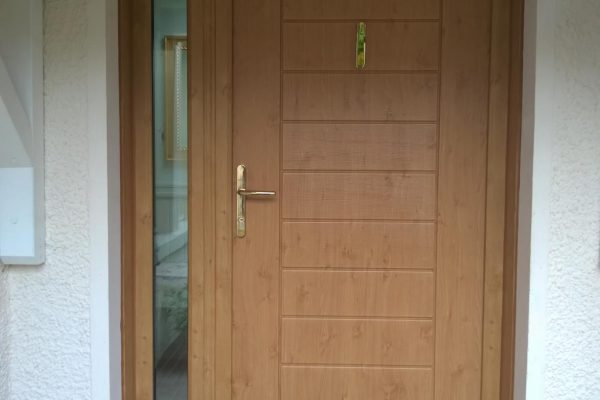 Irish Oak Palermo Solid with Side Panel