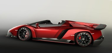 veneno_roadster_side