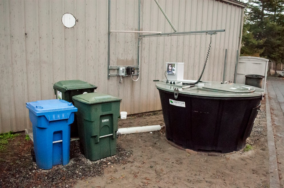 The earthtub composting