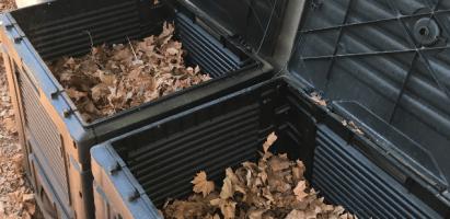 Compostadoras operativas, los biorresiduos de la EEZ-CSIC y acopio de estructurante.