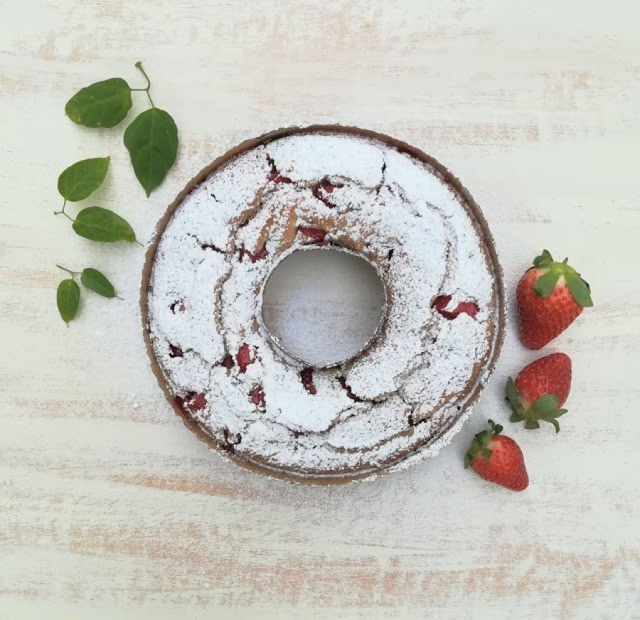 Bizcocho de fresas y kéfir