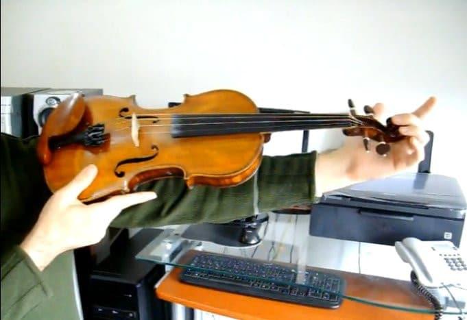 Cómo comprobar la talla del violín
