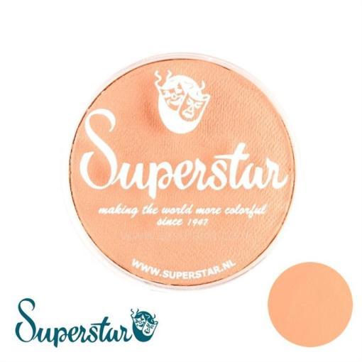 Superstar es una pintura de cara suave y cremosa altamente pigmentada. Se mezclan fácilmente, se secan en 30 segundos sobre la piel y se secan hasta obtener una cobertura sin manchas.  Si quieres convertirte en un profesional, puedes obtener Superstar Light Sun Tan Complexion en el contenedor de 45 gramos.