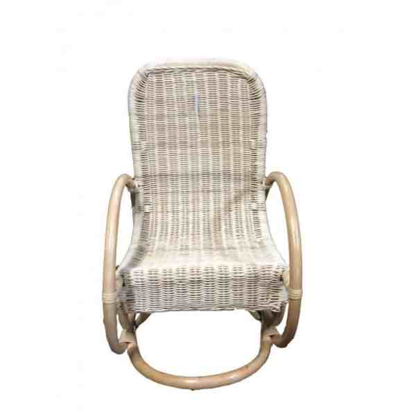 Rocking chair enfant en moelle de rotin verni