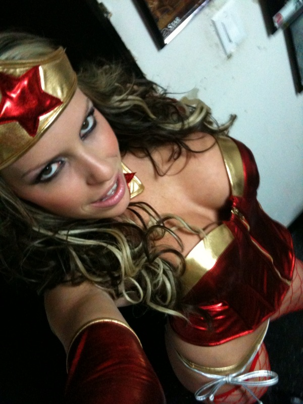 Otra Pornstar de Wonder Woman: Courtney Cummz