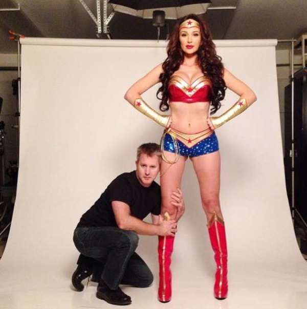 jenna-jenovich-is-a-super-hero-photo-u1