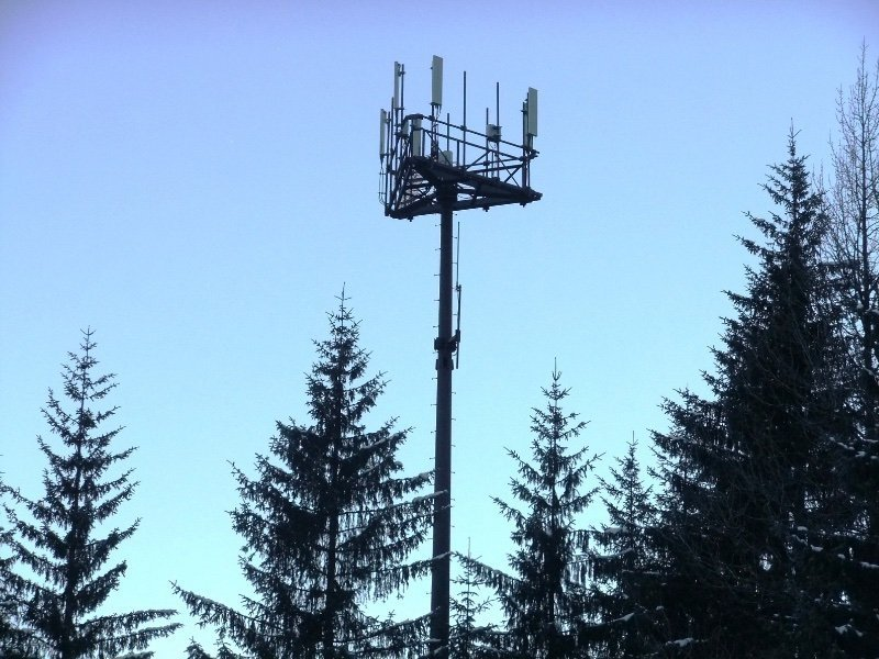 Heads of NASA and NOAA warns that 5G could mean less time to flee deadly Hurricanes