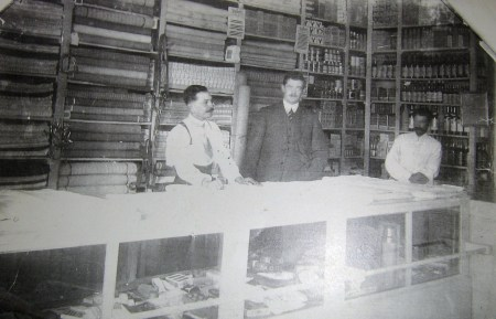 Almacen de don Max Drawert en Marcala a finales de 1920