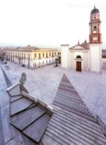 La parrocchiale e la piazza