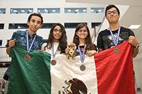El equipo mexicano integrado por Luis Fernando Gutiérrez Córdova, Alexa Stephania García Rendón, Neyci Gutiérrez Valencia y Alejandro Munguía Aldapa, ganó una medalla de plata y tres de bronce en la XXIII Olimpiada Iberoamericana de Química El Salvador 2918.