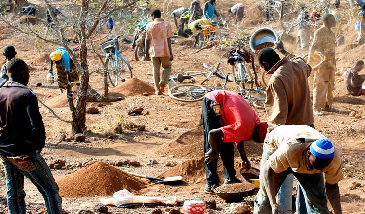 La norma busca evitar que el comercio de minerales sirva para financiar conflictos armados y provoque vulneraciones de derechos humanos en África ©AP Images/European Union-EP