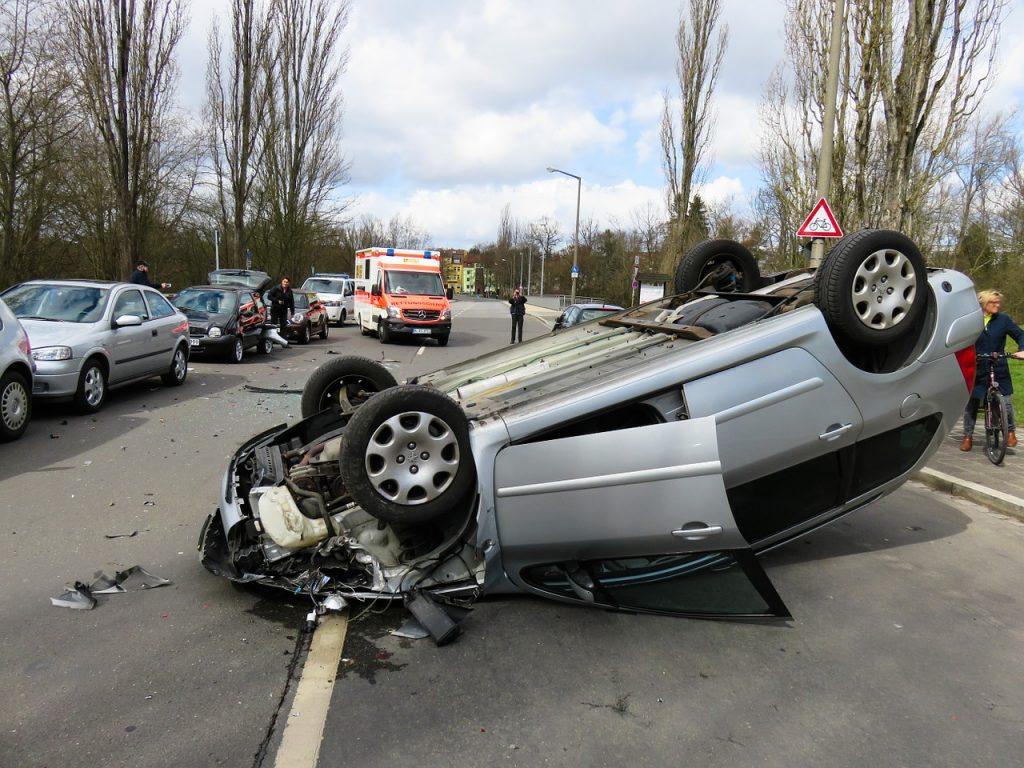 """Incidenti d'auto in aumento: """"Fermiamo le stragi, urgente cambiare le patenti"""""""