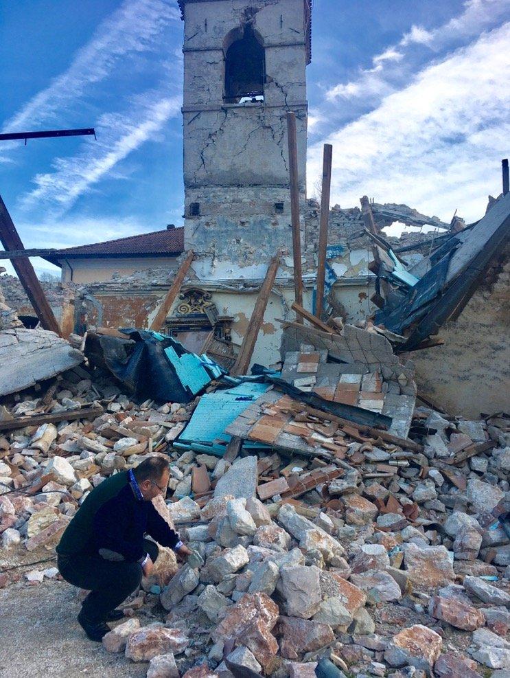 Terremoto, troppe macerie sono ancora lì: