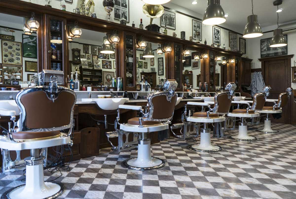 Nel mondo boom per i barber shop italiani for Arredamenti per barbieri