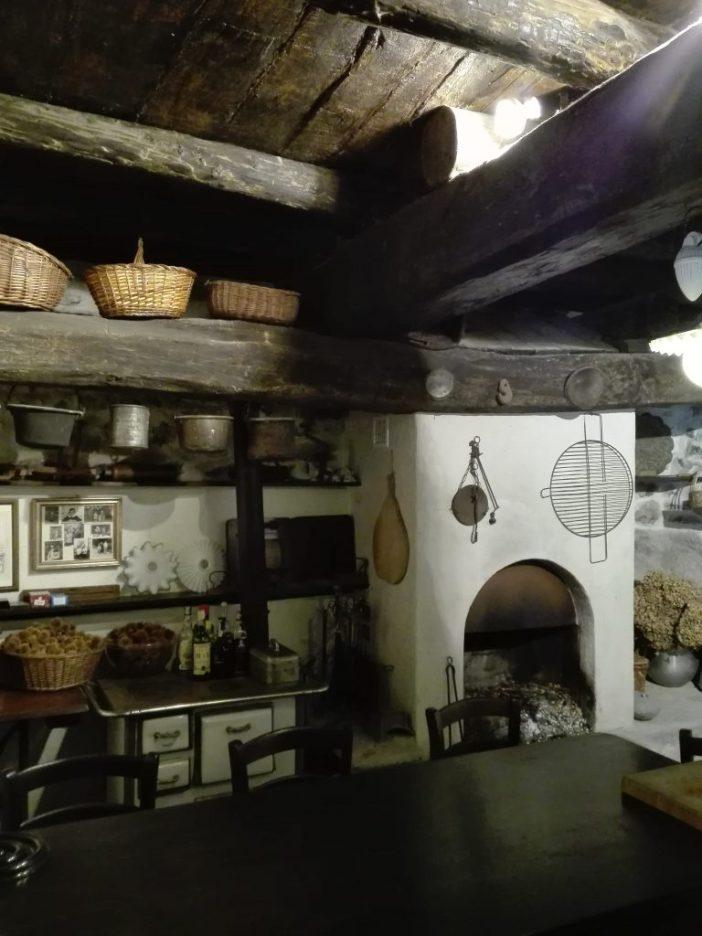 Caglio: Corte Bianconi, cucina