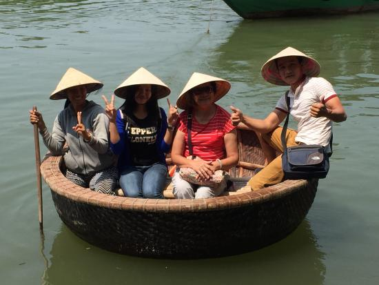 basket-boat-ride-at-the