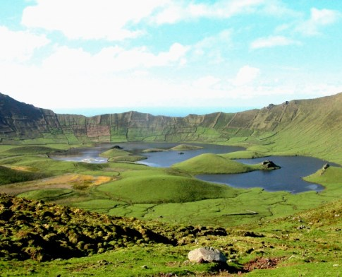 lago-en-una-caldera-de-las-azores-8556