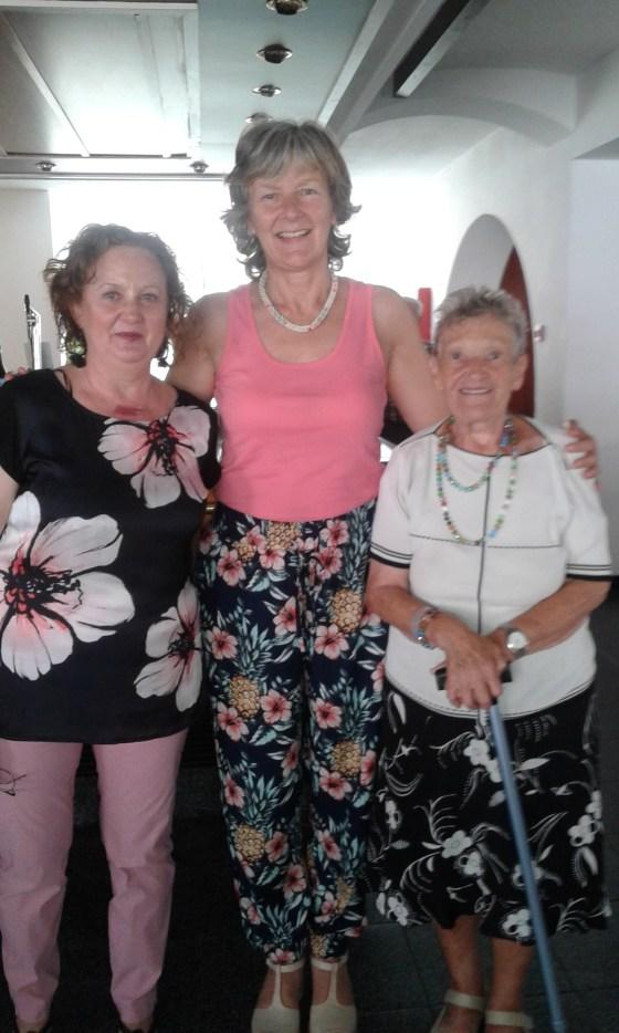 Mariví, Helen y Paca
