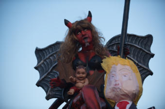 The devil with a Donald Trump piñata to be burned in La Antigua Guatemala. Photo: Santiago Billy/Comvite
