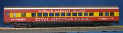 HO 72 Ft Passenger Car Coach #19 Royal American Shows (red/yellow) (1-000908)