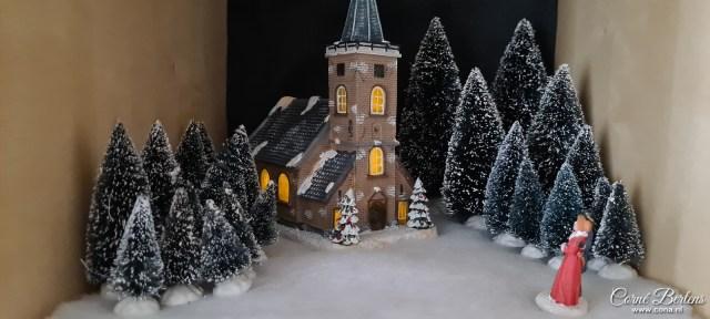 Kerk in het winterdorp