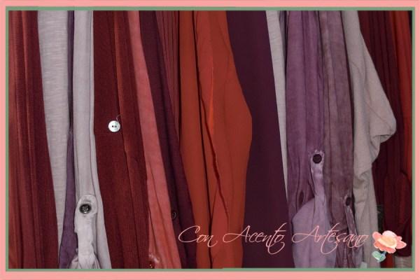 El color de la ropa no desparece del armario de invierno