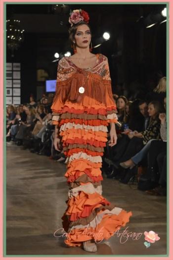 Traje flamenca naranja de talle alto de Pol Nuñez en We Love Flamenco 2016