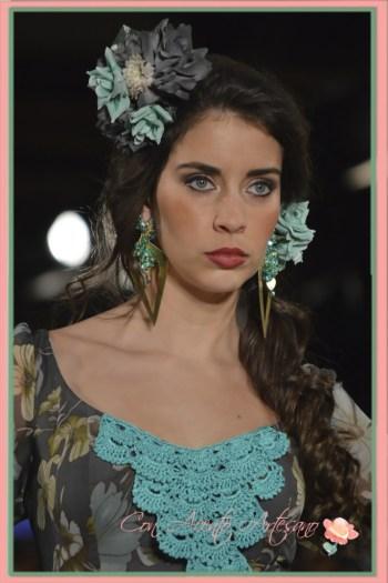 Pendientes flamencos de Marga Macías inspirados en ramilletes de olivas para Ángeles Verano