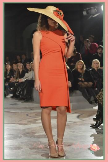 Vestido naranja silueta lápiz de Ana Moraza Design