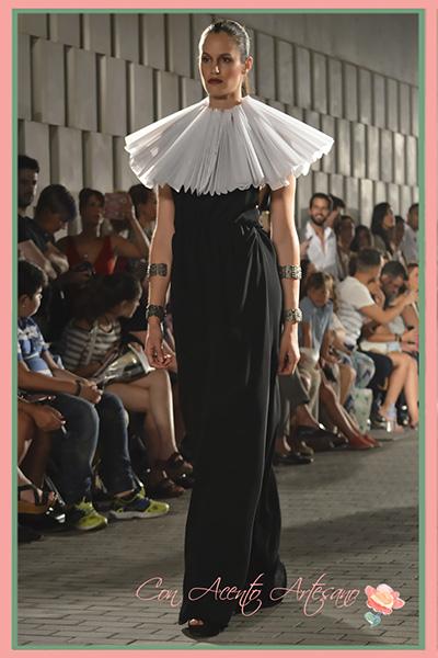 Groguera de Aurora Ruiz para vestido negro
