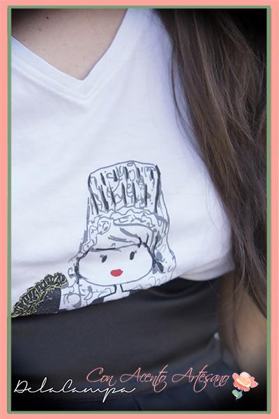 Camiseta con mantilla colección Soy Rancia de Contodoelarte