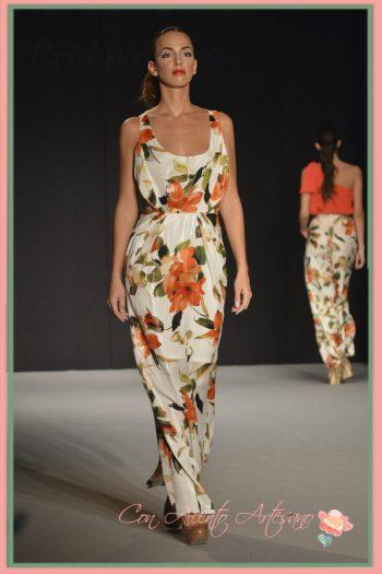Vestido de estampado floral en tonos coral de MCH - María Cristina Hernández