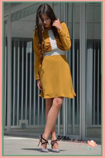 Vestido mostaza de Marobe colección O/I 2016-2017