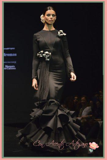 Flores al talle bajo de Álex de la Huerta en sus trajes de flamenca