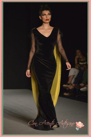 Vestido sirena de terciopelo negro de LaPaca Costura