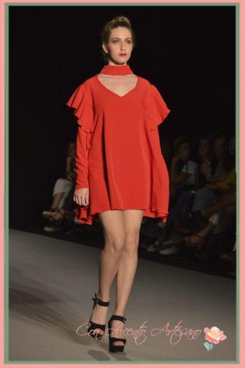 Modelo Fashionate en rojo de LaPaca Costura
