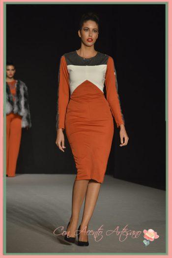 Vestido naranja con pailletes de LaPaca Costura