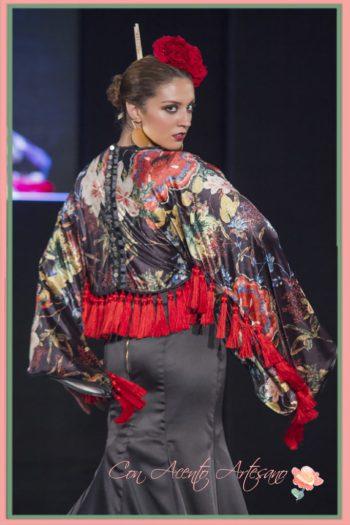 Espalda traje flamenca de Aurora Ruíz en semifinal noveles We Love Flamenco 2017