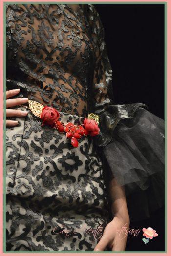 Traje flamenca con transparencias bordadas de terciopelo en negro de Flamencas en SIMOF 2016