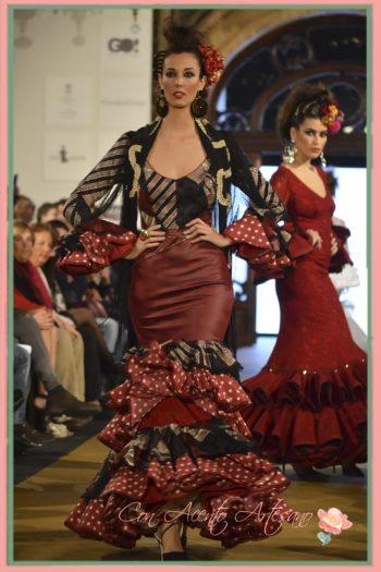Traje de flamenca con talle en piel de Lola Azahares