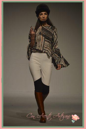 Leggings y blusa estampada de María Amador