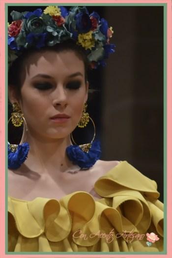 Escote de volantes de traje de flamenca amarillo de Amalia Vergara en Pasarela Flamenca Jerez 2018