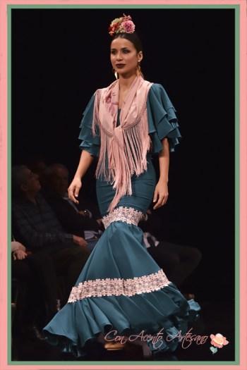 Traje de flamenca de manga corta en verde de Ángeles Copete