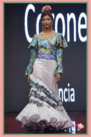 Traje de flamenca dos piezas de falda y blusa estampada de Cinta Coronel