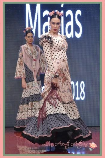 Traje de flamenca canastero de estampado y lunares de Manuela Macías en Pasarela Huleva Flamenca 2018