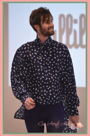 Camisa de estrellas a juego con abanico de caballero de Vallillas