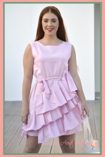 Vestido rosa con volantes de Chloe Malla